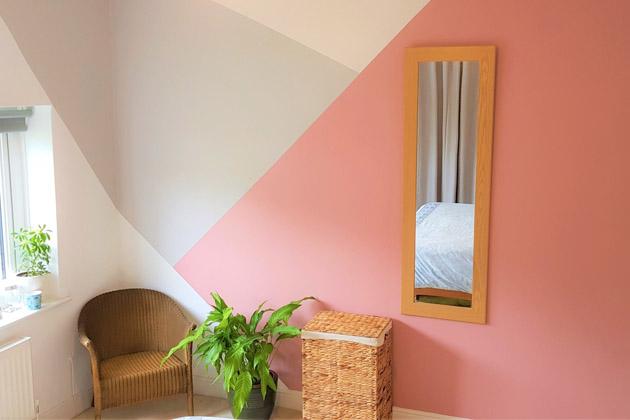 parede com pintura geométrica