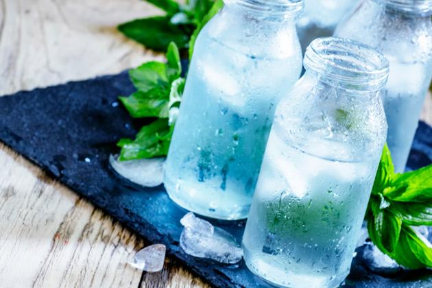 garrafas com água purificada