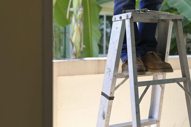 Passo a passo de como usar escada de alumínio
