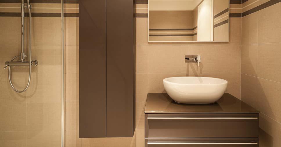 Aprenda como escolher seu gabinete para banheiro pequeno