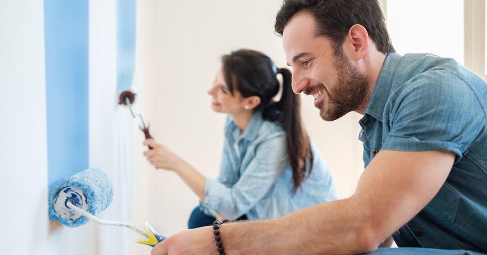 Como usar tinta acrílica para renovar a casa? Descubra!